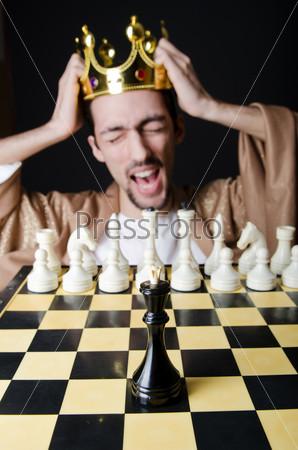 Молодой араб-шахматист