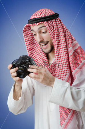 Фотография на тему Молодой араб с фотоаппаратом