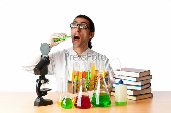 Фотография на тему Студент, работающий в химической лаборатории