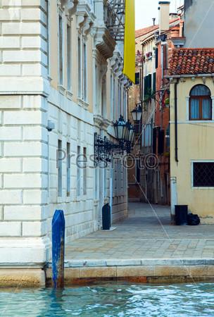 Узкие улицы Венеции