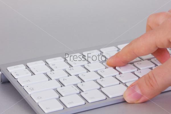Нажатие на клавишу клавиатуры