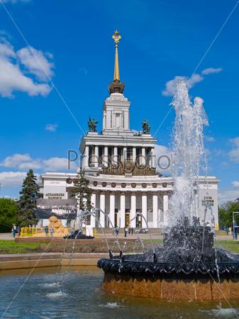 Фотография на тему ВДНХ, парк и выставочный центр, Москва