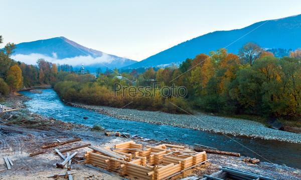 Фотография на тему Горная река в Карпатах