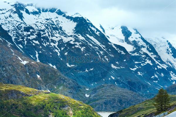 Гора Гросглокнер в Альпах