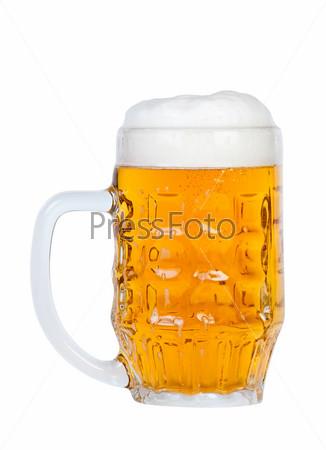 Фотография на тему Кружка пива на белом фоне