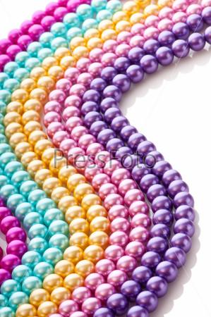 Фотография на тему Разноцветные жемчужные ожерелья