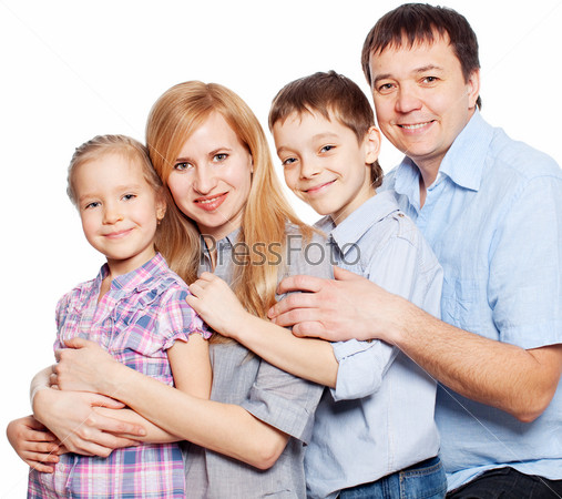 Родители с дочерью и сыном на белом фоне