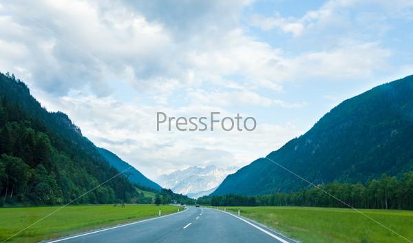 Фотография на тему Дорога в Альпах, Австрия