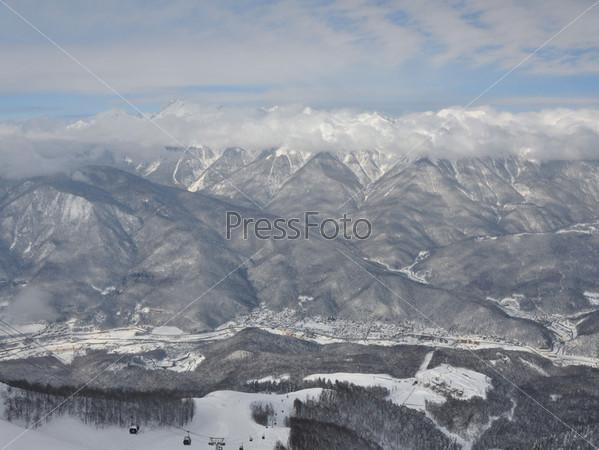 Зимний горный пейзаж. Красная Поляна, Сочи