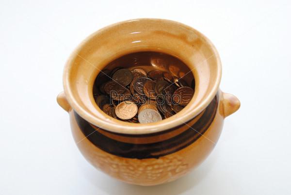 Мелкие монеты в горшочке