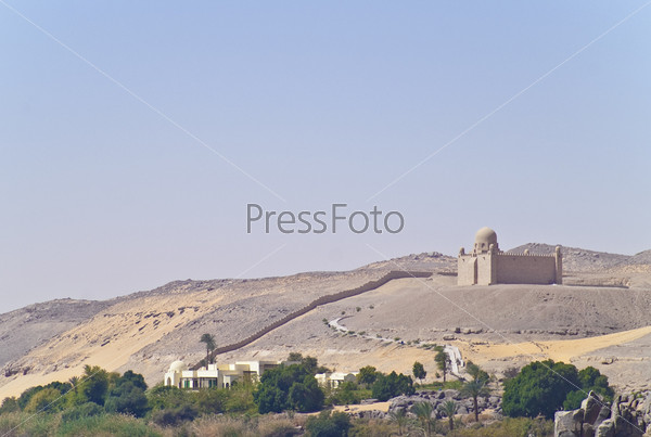 Фотография на тему Дача и мавзолей Ага Хана, Асуан, Египет