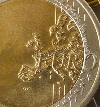 Фотография на тему Монета евро крупным планом