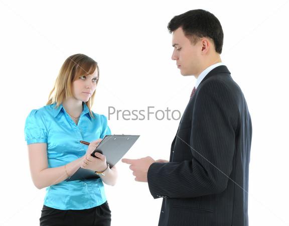Деловой мужчина и его секретарша на белом фоне