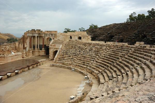 Панорама античного театра в городе Бейт-Шеан, Израиль