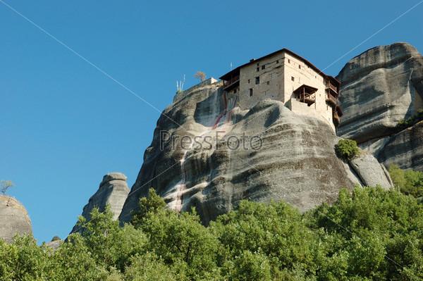 Фотография на тему Скальный монастырь Св. Николая (Айос Николаос) в Метеоре, Греция, Балканы