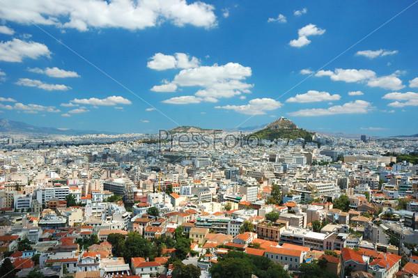 Вид афинских крыш и горы Ликавиттос с Акропольского холма