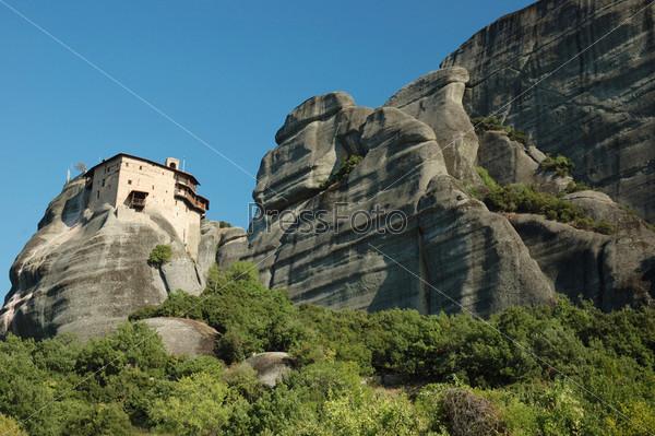 Скальный монастырь Св. Николая (Айос Николаос) в Метеоре, Греция, Балканы