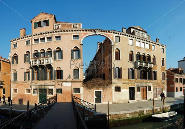 Старый дом в Венеции, Италия. Панорама