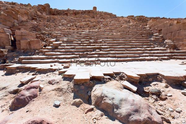 Лестница древнего Великого храма в Петре, Иордания