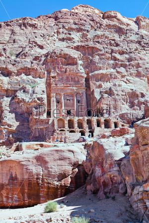 Гробница Урны в Петре, Иордания