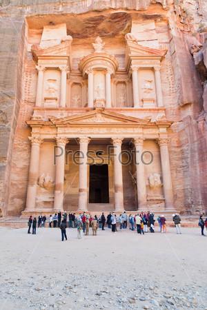 Казначейство и площадь в древнем городе Петра, Иордания