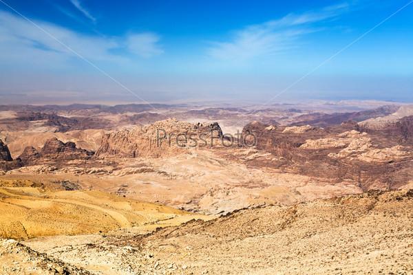 Фотография на тему Панорама гор Иордании неподалеку от Петры