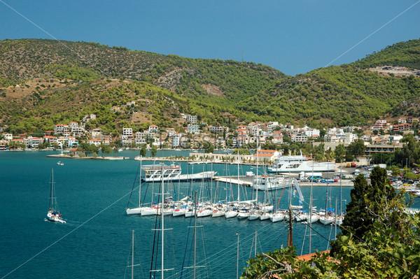 Гавань острова Порос, популярного туристского места в Эгейском море, Греция, Саронический залив