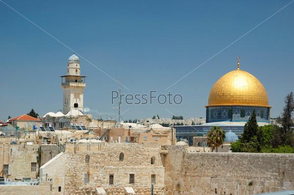 Вид на старый Иерусалим. Стена Плача и золотой купол мечети Омара, Израиль