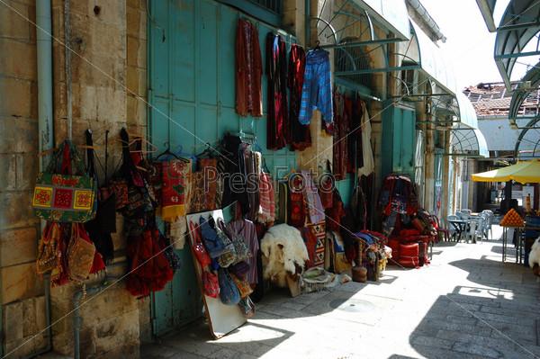 Уличный рынок (базар) в старом Иерусалиме, Израиль
