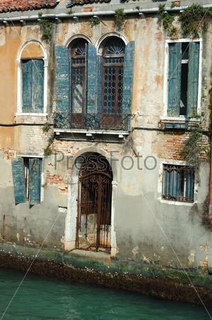 Фотография на тему Венецианский палаццо на воде, Италия
