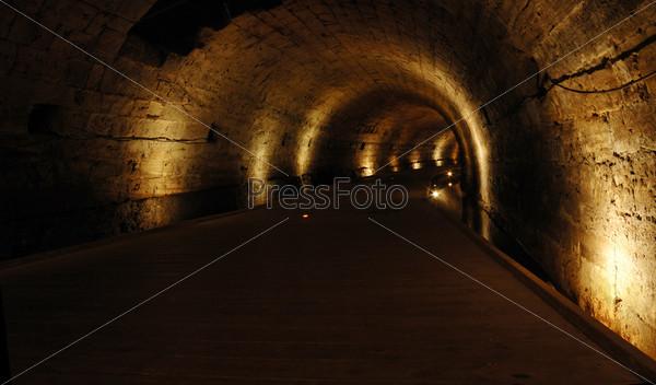 Туннель Тамплиеров в Акко, известная достопримечательность, Израиль