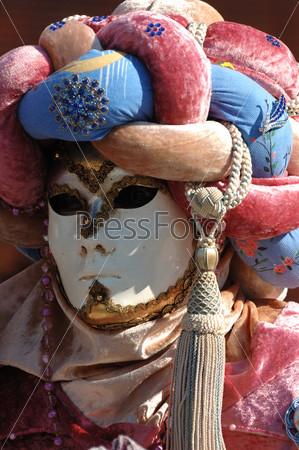 Фотография на тему Мужская маска. Венецианский карнавал 2011 года, Италия