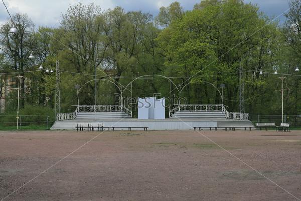 В Центральном парке Санкт-Петербурга. Эстрада