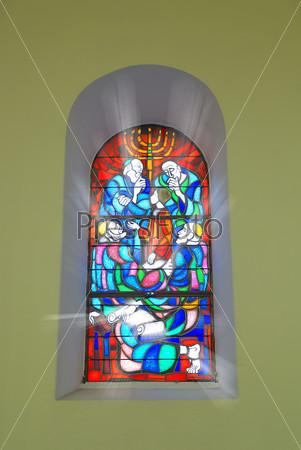 Витраж в церкви