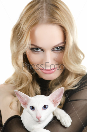 woman with oriental shorthair cat