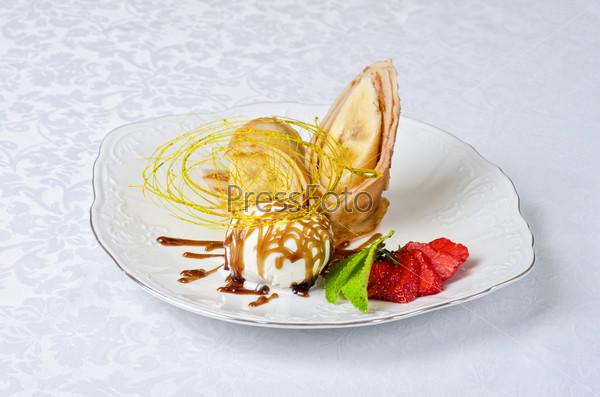 tasty pancake dessert
