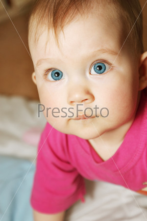 child with blue eyes