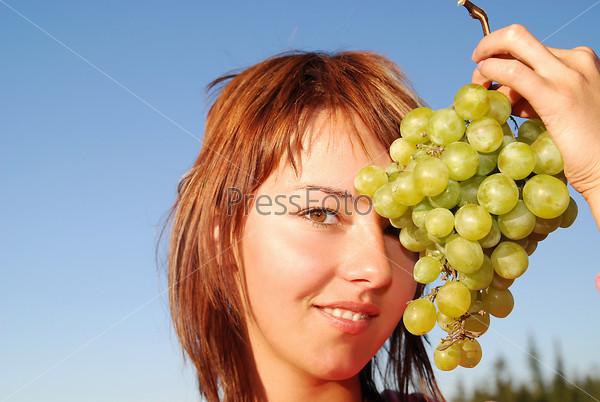 smiling grape girl