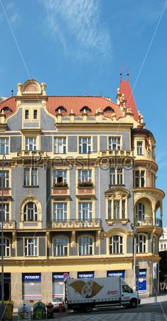 Жилой дом на Строссмаеровой площади в Голешовицах, Прага, Чехия