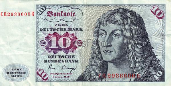 Фрагмент банкноты в 10 немецких марок 1963 года с портретом молодого человека по мотивам одноименной картины Дюрера