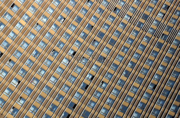 Окна здания гостиницы