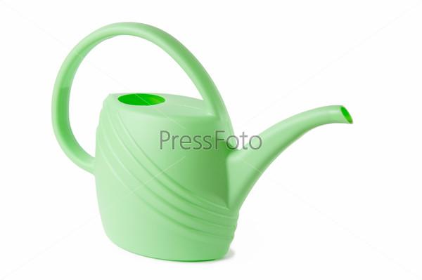 Зеленая пластиковая лейка, изолированная на белом фоне