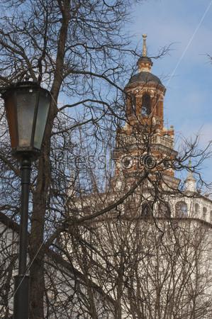 Уточья башня Трооице-Сеергиевой Лавры