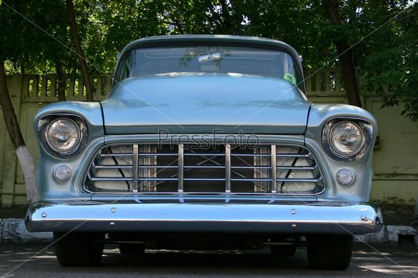 Шевроле-пикап 1955 года в музее ретро-автомобилей в Москве