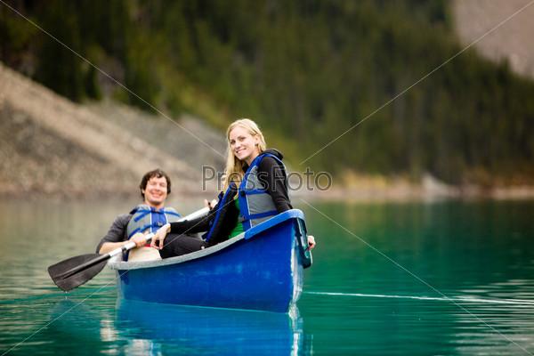 лодка для прогулок по реке