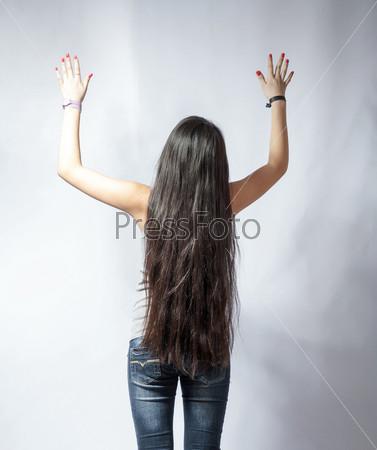 Скачать девушку сзади с длинными волосами