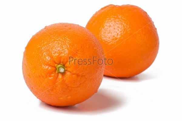 Фотография на тему Апельсины на белом фоне