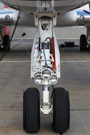 Стойка шасси самолета