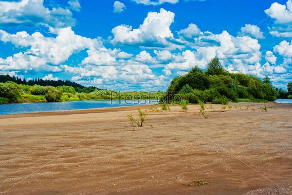 Фотография на тему Речной пляж