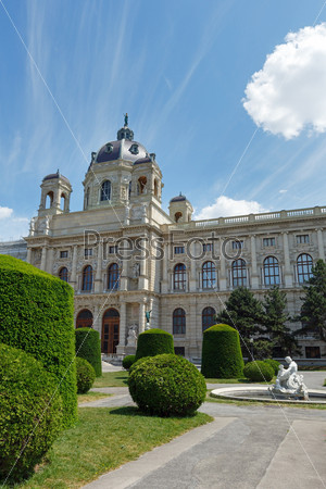 Фотография на тему Художественно-исторический музей летом в Вене, Австрия